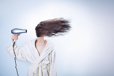 How to Choose the Best Travel Blow Dryer