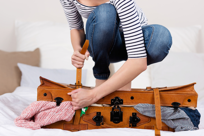 Packing Mistake: Overstuffing a suitcase